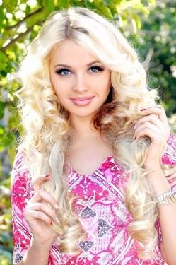 Photo of beautiful Ukraine  Anastasia with blonde hair and hazel eyes - 28458