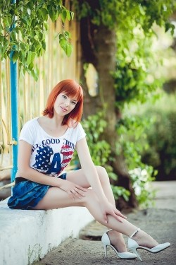 Photo of beautiful Ukraine  Angela with red hair and green eyes - 21162