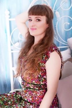Photo of beautiful Ukraine  Antonina with light-brown hair and brown eyes - 28303