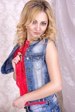 Photo of beautiful Ukraine  Christina with blonde hair and grey eyes - 27789