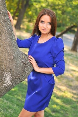 Photo of beautiful Ukraine  Elena with light-brown hair and blue eyes - 22175