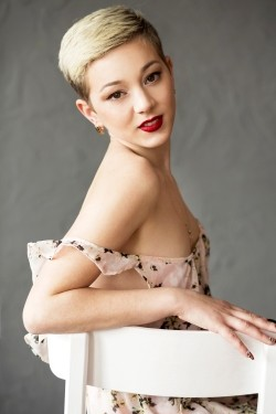 Photo of beautiful Ukraine  Elena with blonde hair and brown eyes - 28321