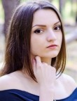 Photo of beautiful  woman Elizabeth with brown hair and brown eyes - 21681