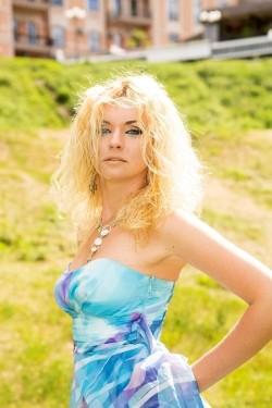 Photo of beautiful Ukraine  Elvira with blonde hair and blue eyes - 20747