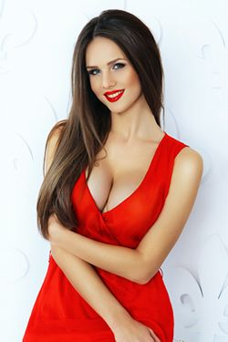 Photo of beautiful Ukraine  Ilona with brown hair and green eyes - 19267