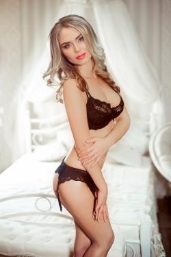 Photo of beautiful Ukraine  Irina with blonde hair and blue eyes - 21222