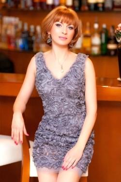 Photo of beautiful Ukraine  Irina with light-brown hair and green eyes - 22444