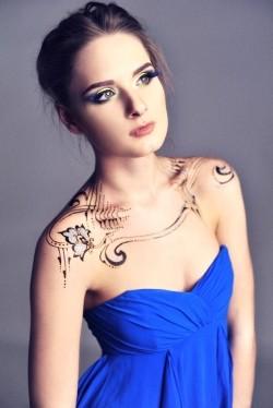 Photo of beautiful Ukraine  Juliya with blonde hair and green eyes - 21280