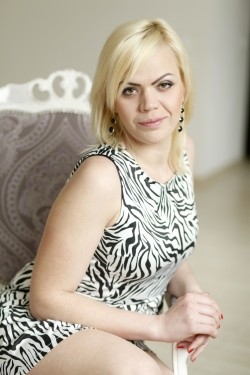 Photo of beautiful Ukraine  Katerina with blonde hair and green eyes - 21325