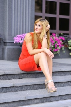 Photo of beautiful Ukraine  Kristina with blonde hair and brown eyes - 21819