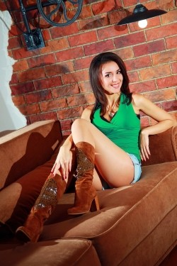 Photo of beautiful Ukraine  Ludmila with brown hair and brown eyes - 20855