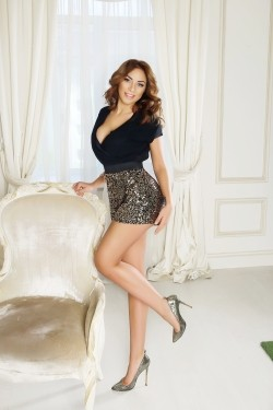 Photo of beautiful Ukraine  Maria with light-brown hair and blue eyes - 28186