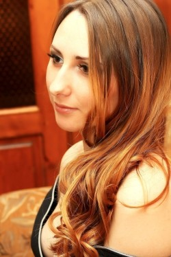 Photo of beautiful Ukraine  Mary with red hair and brown eyes - 20882