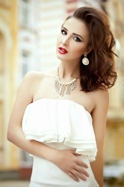 Photo of beautiful Ukraine  Natasha with brown hair and brown eyes - 21475