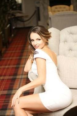 Photo of beautiful Ukraine  Olena with red hair and hazel eyes - 28007