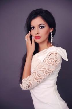 Photo of beautiful Ukraine  Olga with black hair and hazel eyes - 21863