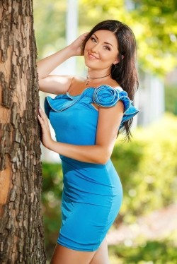 Photo of beautiful Ukraine  Olga with brown hair and brown eyes - 22248