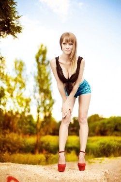 Photo of beautiful Ukraine  Svetlana with light-brown hair and green eyes - 27762