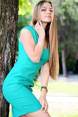 Photo of beautiful Ukraine  Tatiana with light-brown hair and blue eyes - 18282