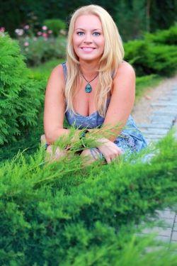 Photo of beautiful Ukraine  Tatjana with blonde hair and blue eyes - 19457