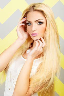 Photo of beautiful Ukraine  Tatyana with blonde hair and blue eyes - 17952