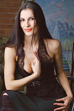 Photo of beautiful Ukraine  Tatyana with brown hair and hazel eyes - 17962