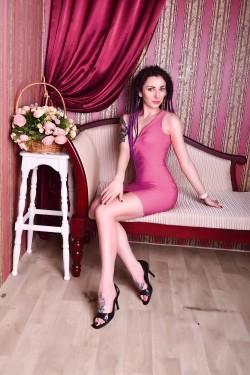 Photo of beautiful Ukraine  Valeria with black hair and green eyes - 28519
