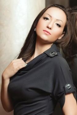 Photo of beautiful Ukraine  Valeriya with brown hair and hazel eyes - 20884