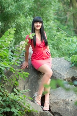 Photo of beautiful Ukraine  Victoria with black hair and green eyes - 20794