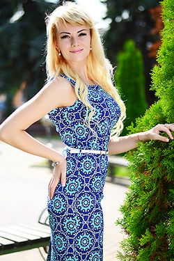 Photo of beautiful Ukraine  Yana with blonde hair and green eyes - 17963