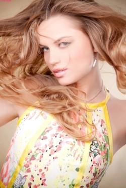 Photo of beautiful Ukraine  Yanina with blonde hair and blue eyes - 28137